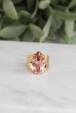 Classic Drop Ring Vintage Rose