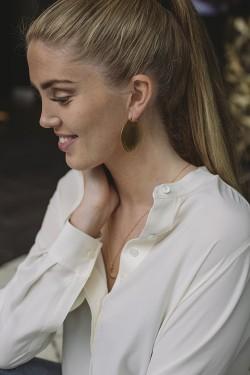 Big Shell Earrings Gold